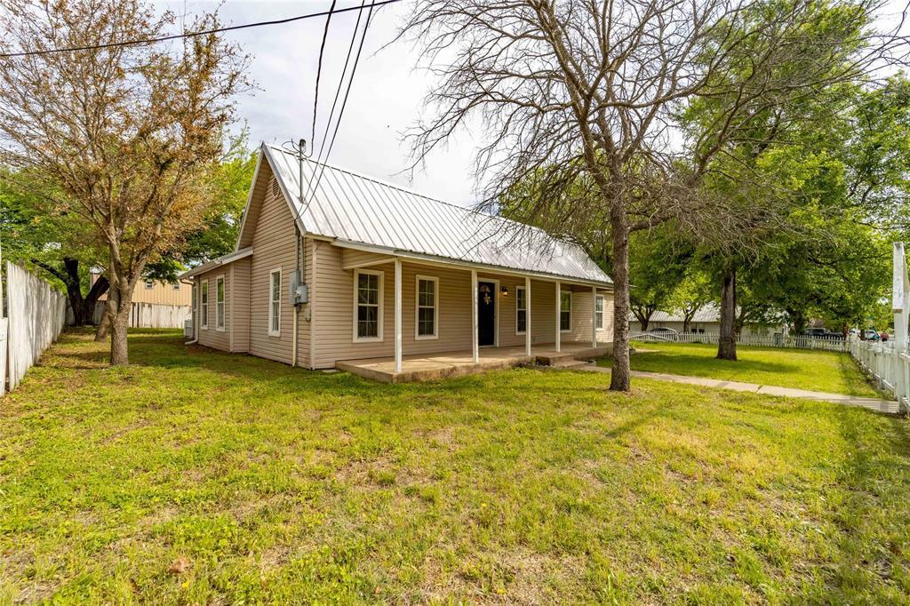 1065 Pecan  Street, Stephenville, Texas 76401 - acquisto real estate best allen realtor kim miller hunters creek expert