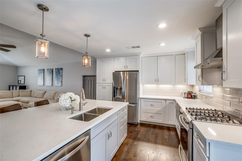 6844 Town North  Drive, Dallas, Texas 75231 - acquisto real estate best real estate company to work for