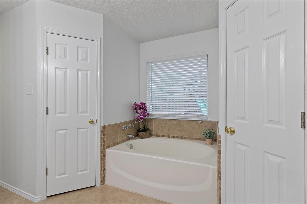 101 Saint James  Court, Rhome, Texas 76078 - acquisto real estate best style realtor kim miller best real estate reviews dfw