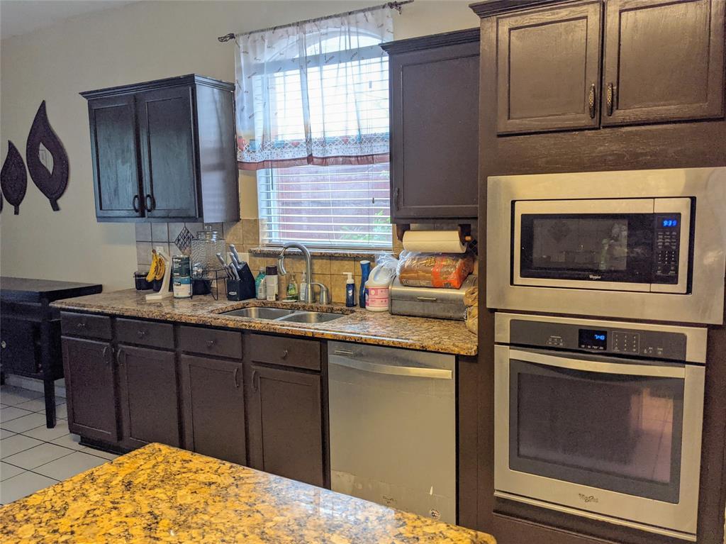5728 Chelmsford  Trail, Arlington, Texas 76018 - acquisto real estate best celina realtor logan lawrence best dressed realtor