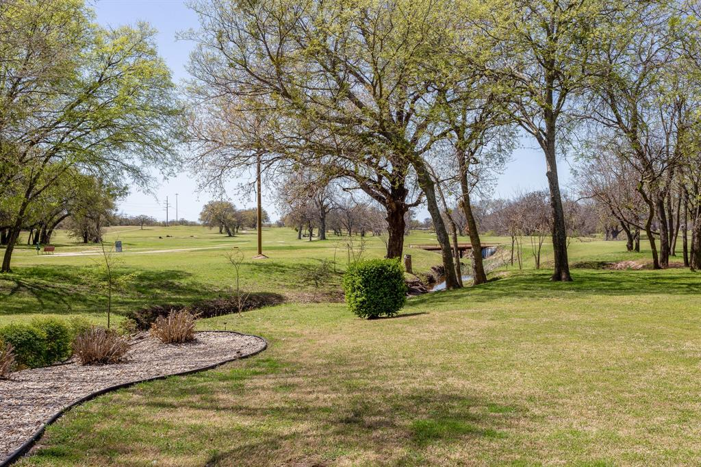 1809 Rockview  Drive, Granbury, Texas 76049 - acquisto real estate best park cities realtor kim miller best staging agent