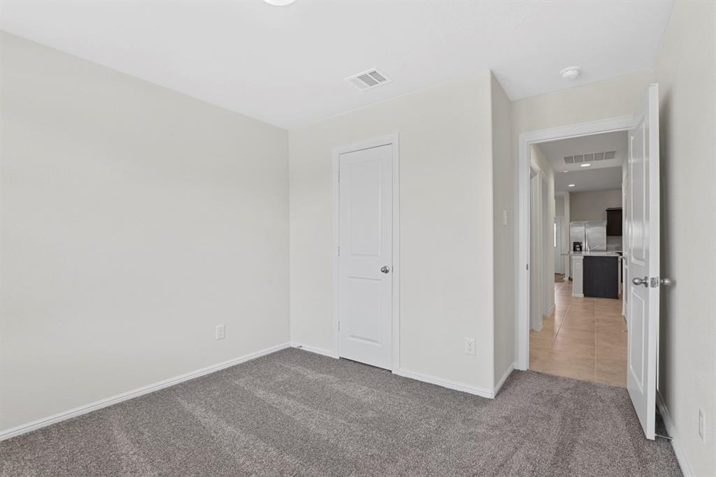 9340 HERRINGBONE  Drive, Fort Worth, Texas 76131 - acquisto real estate best realtor foreclosure real estate mike shepeherd walnut grove realtor