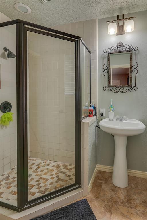 110 Crestwood  Lane, Springtown, Texas 76082 - acquisto real estate best negotiating realtor linda miller declutter realtor