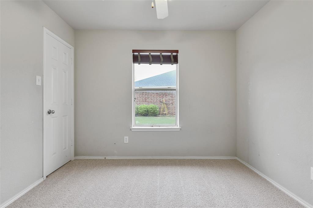 1805 Millbrook  Drive, Midlothian, Texas 76065 - acquisto real estate best new home sales realtor linda miller executor real estate