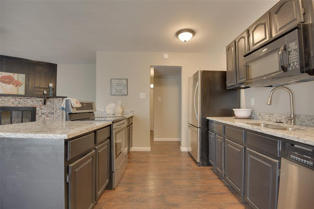 6321 Redwood  Lane, Rowlett, Texas 75089 - acquisto real estate best new home sales realtor linda miller executor real estate