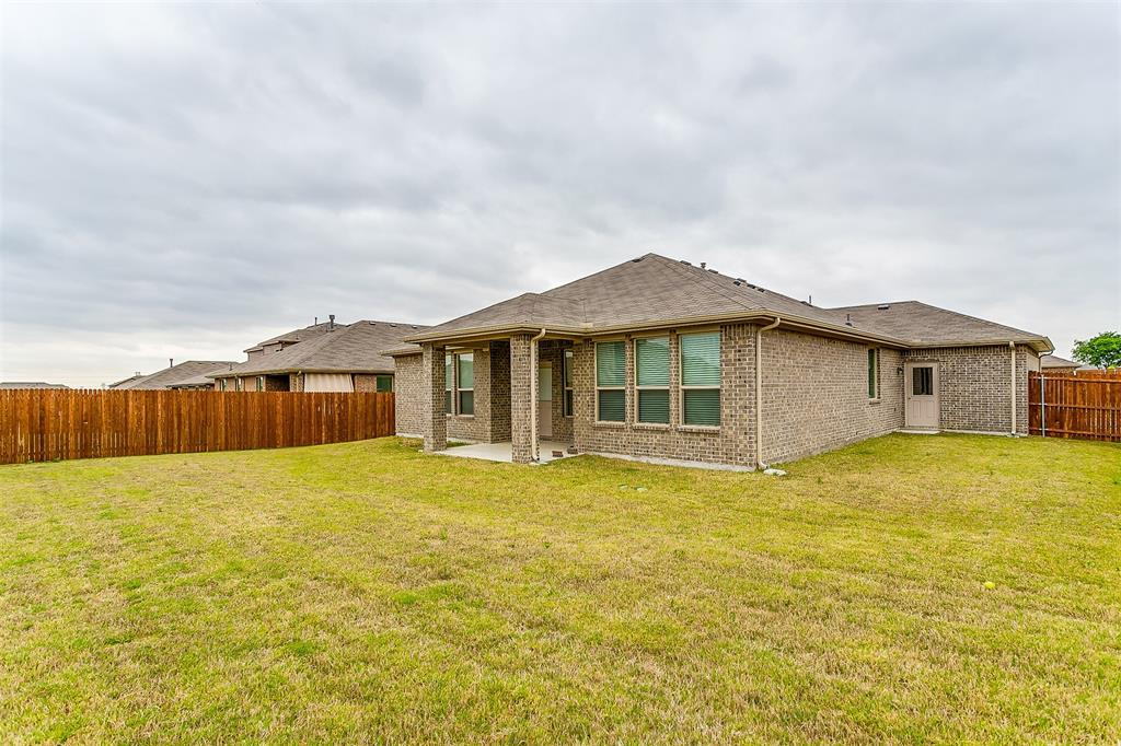 568 Pendennis  Drive, Saginaw, Texas 76131 - acquisto real estate best plano real estate agent mike shepherd
