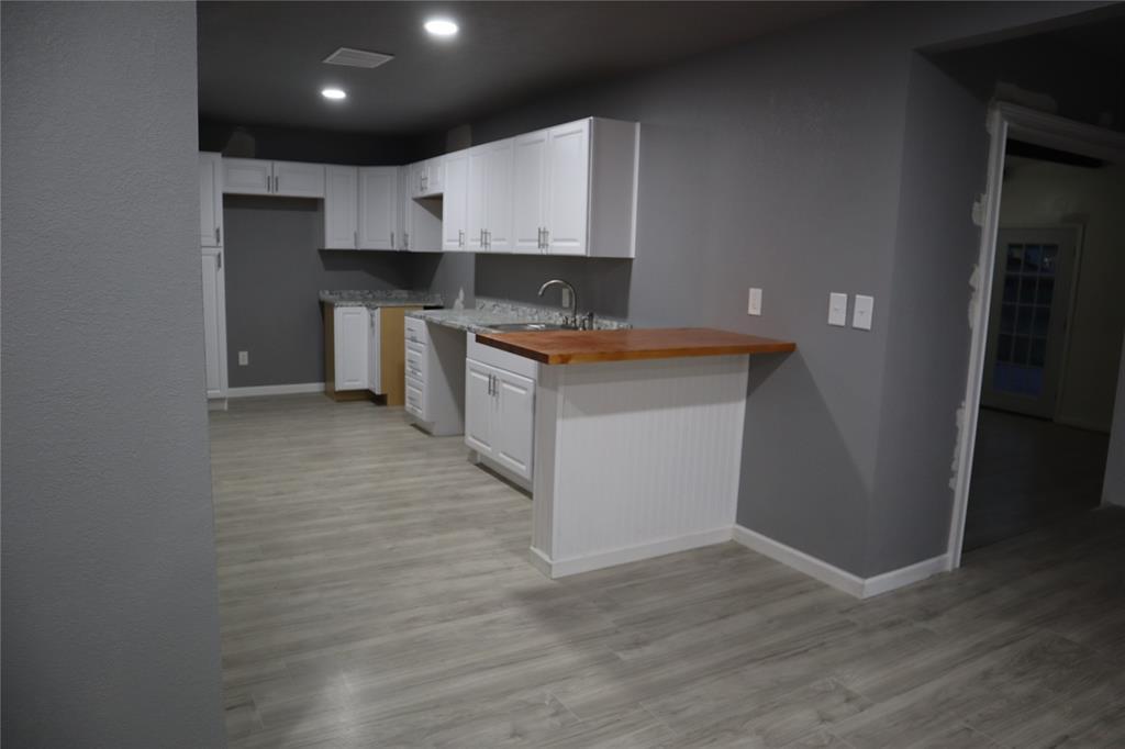 308 NE Craig St  Burleson, Texas 76028 - acquisto real estate best celina realtor logan lawrence best dressed realtor