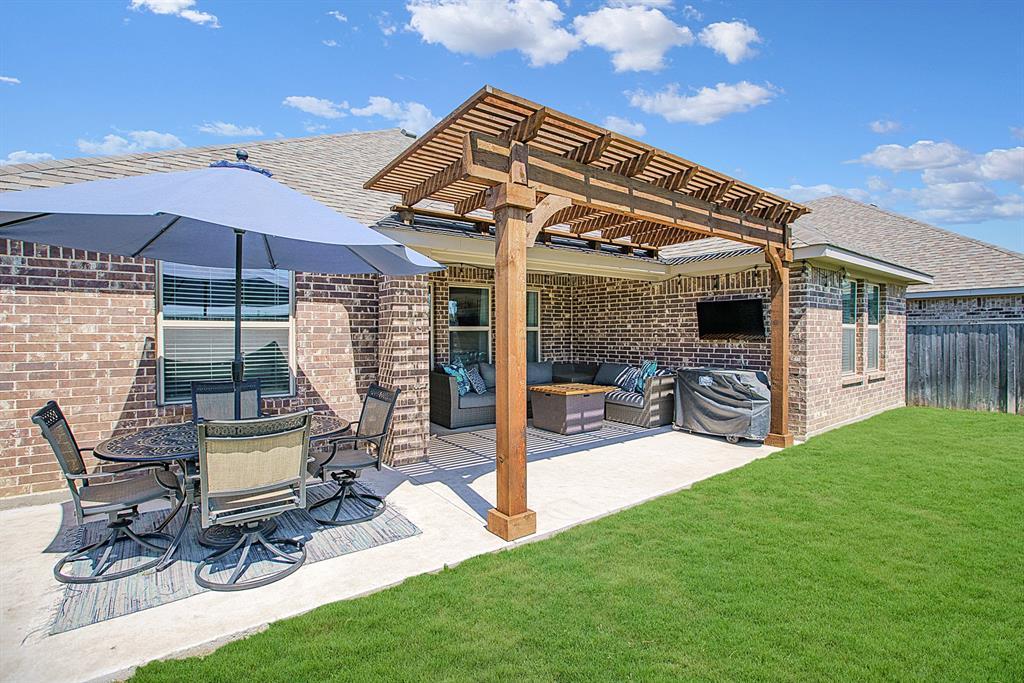 3920 Madison Lane, Denton, Texas 76208 - acquisto real estate best allen realtor kim miller hunters creek expert