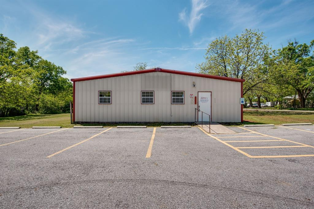 3011 Fannin  Avenue, Denison, Texas 75021 - Acquisto Real Estate best plano realtor mike Shepherd home owners association expert