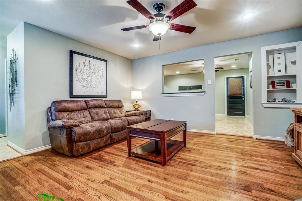 8172 Hunnicut Road, Dallas, Texas 75228 - acquisto real estate best highland park realtor amy gasperini fast real estate service