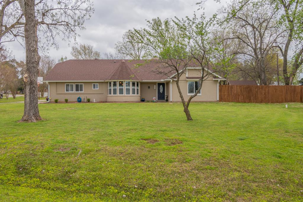 104 Oak Lane, Burleson, Texas 76028 - Acquisto Real Estate best plano realtor mike Shepherd home owners association expert