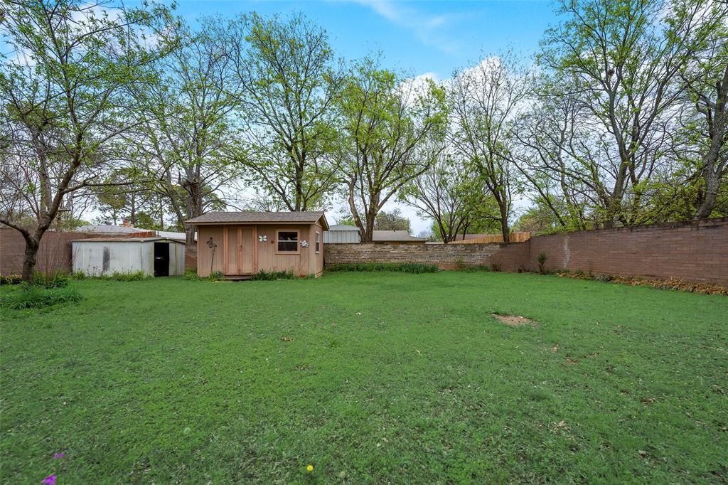 424 Hurstview Drive, Hurst, Texas 76053 - acquisto real estate best plano real estate agent mike shepherd