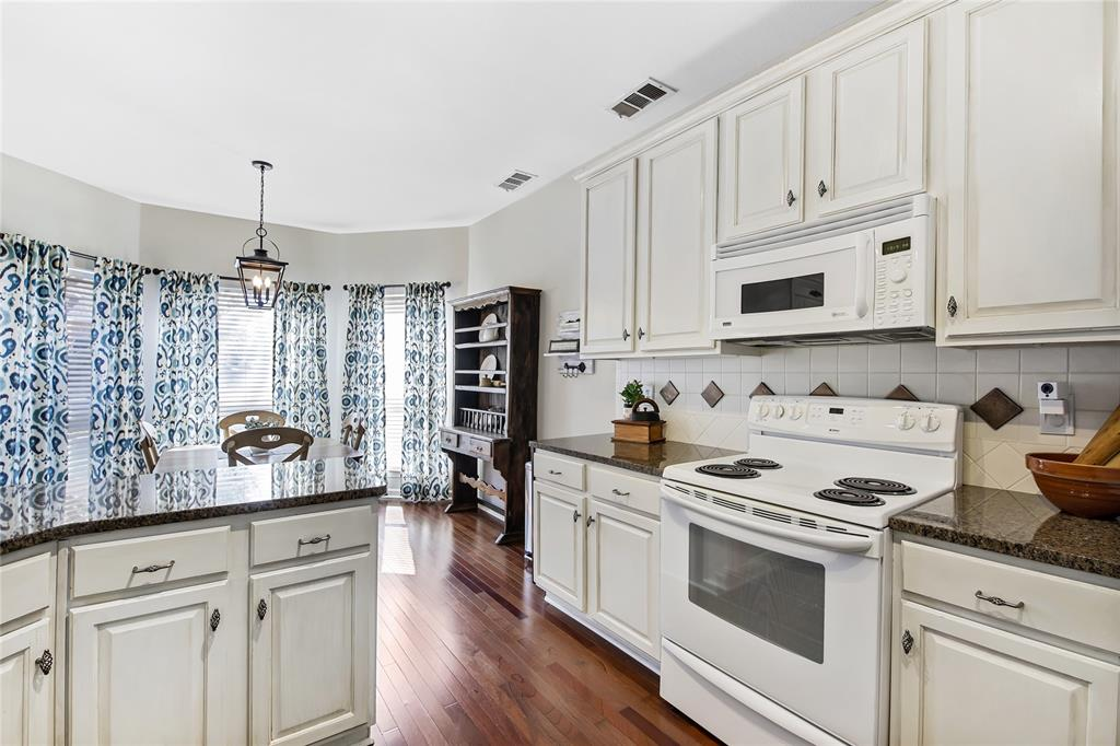 2404 Candlebrook  Drive, Flower Mound, Texas 75028 - acquisto real estate best new home sales realtor linda miller executor real estate