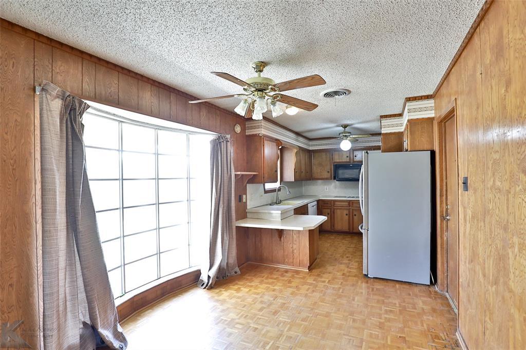 2909 21st  Street, Abilene, Texas 79605 - acquisto real estate best realtor foreclosure real estate mike shepeherd walnut grove realtor