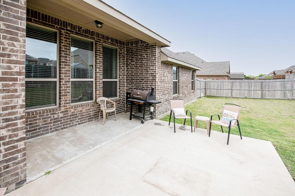 124 Haymeadow  Drive, Crandall, Texas 75114 - acquisto real estate mvp award real estate logan lawrence