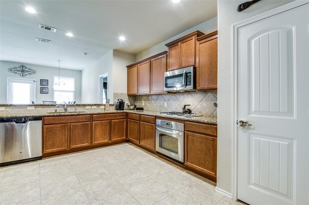 413 Riverstone  Way, McKinney, Texas 75072 - acquisto real estate best highland park realtor amy gasperini fast real estate service