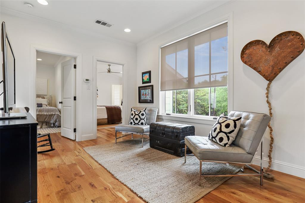 560 Northlake  Drive, Dallas, Texas 75218 - acquisto real estate best photo company frisco 3d listings