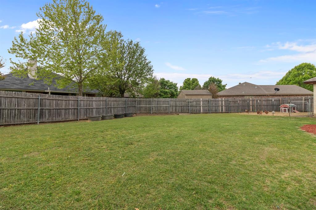 101 Saint James  Court, Rhome, Texas 76078 - acquisto real estate mvp award real estate logan lawrence