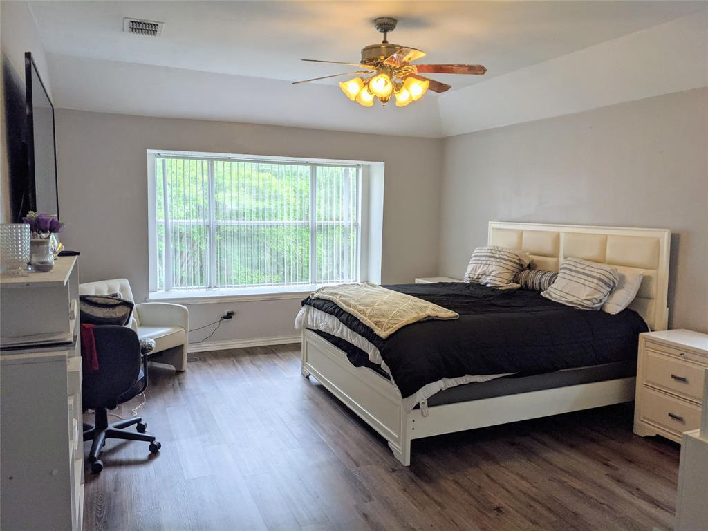 5728 Chelmsford  Trail, Arlington, Texas 76018 - acquisto real estate best luxury buyers agent in texas shana acquisto inheritance realtor