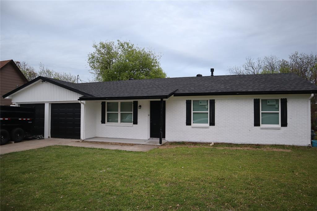 308 NE Craig St  Burleson, Texas 76028 - Acquisto Real Estate best plano realtor mike Shepherd home owners association expert