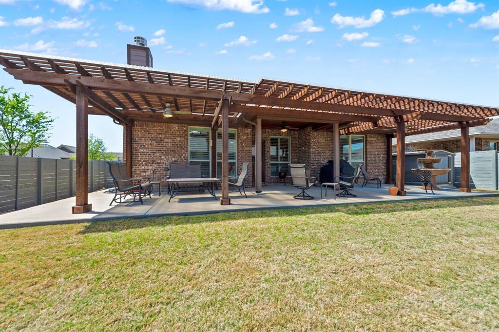 200 Oakmont Drive, Northlake, Texas 76226 - acquisto real estate best realtor dfw jody daley liberty high school realtor
