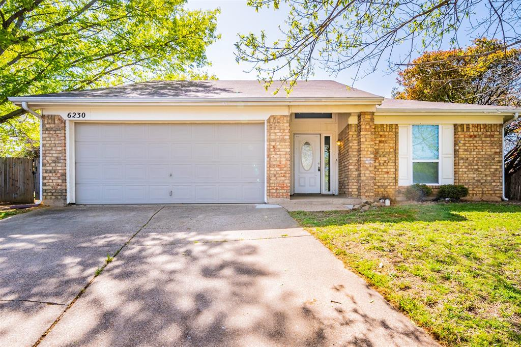 6230 Fernwood  Drive, Arlington, Texas 76001 - Acquisto Real Estate best plano realtor mike Shepherd home owners association expert