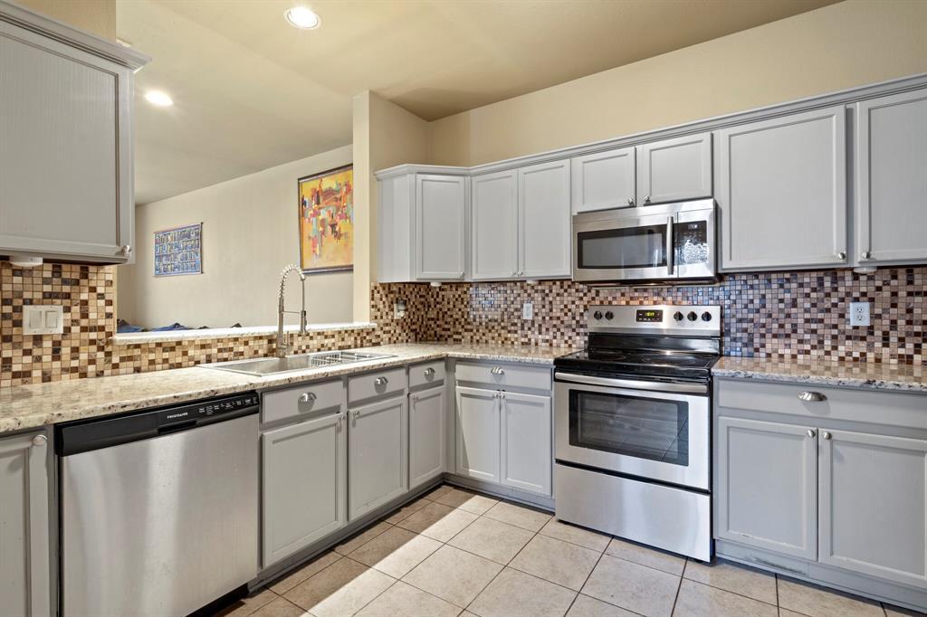 2212 Stoneleigh Place, McKinney, Texas 75071 - acquisto real estate best highland park realtor amy gasperini fast real estate service