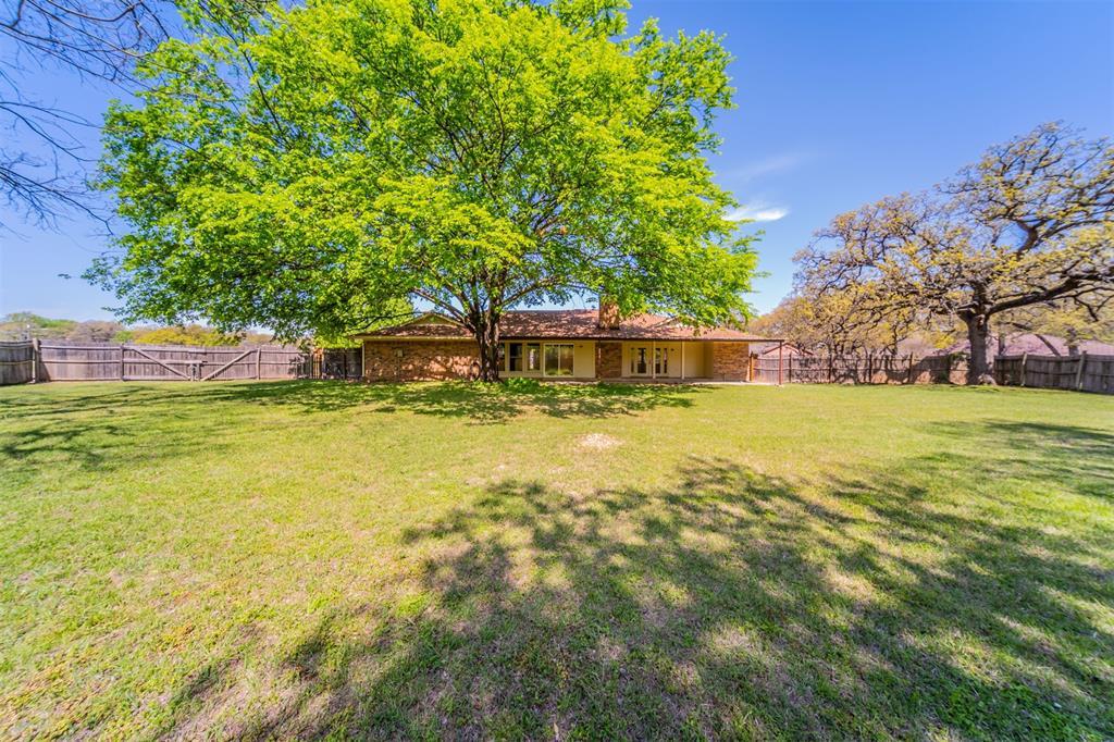 104 Mountain Valley Boulevard, Joshua, Texas 76058 - acquisto real estate best realtor dfw jody daley liberty high school realtor