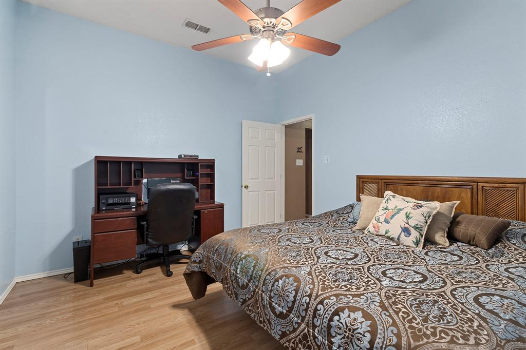 101 Saint James  Court, Rhome, Texas 76078 - acquisto real estate best listing agent in the nation shana acquisto estate realtor