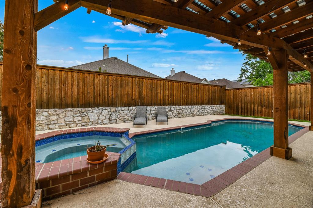 4601 Parkview  Lane, Fort Worth, Texas 76137 - Acquisto Real Estate best plano realtor mike Shepherd home owners association expert