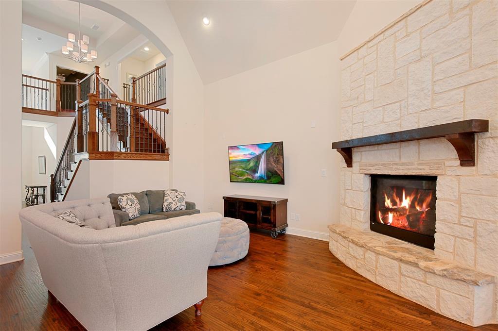 7335 Meler Lane, Irving, Texas 75063 - acquisto real estate best prosper realtor susan cancemi windfarms realtor