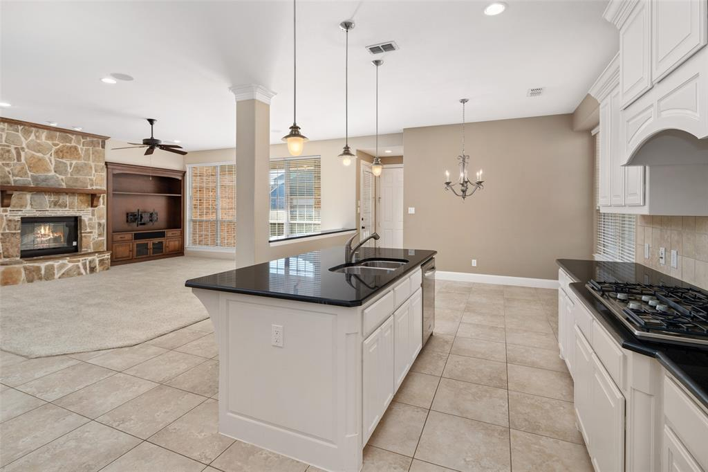 935 Pine Burst  Drive, Allen, Texas 75013 - acquisto real estate best real estate company to work for