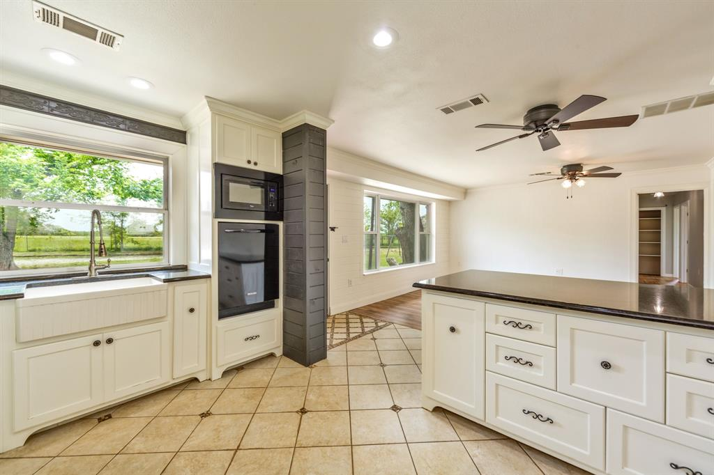 138 Silver  Street, Bowie, Texas 76230 - acquisto real estate best style realtor kim miller best real estate reviews dfw