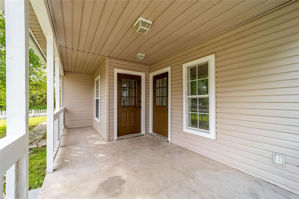 1065 Pecan  Street, Stephenville, Texas 76401 - acquisto real estate best prosper realtor susan cancemi windfarms realtor
