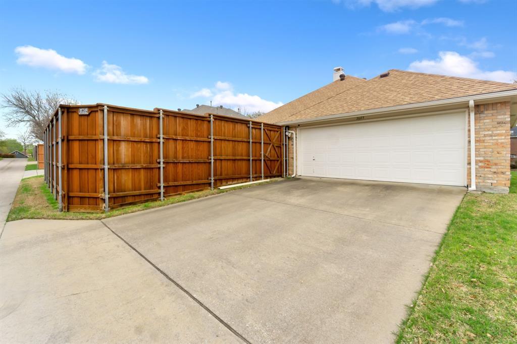 2685 Poinsettia  Drive, Richardson, Texas 75082 - acquisto real estate best realtor foreclosure real estate mike shepeherd walnut grove realtor