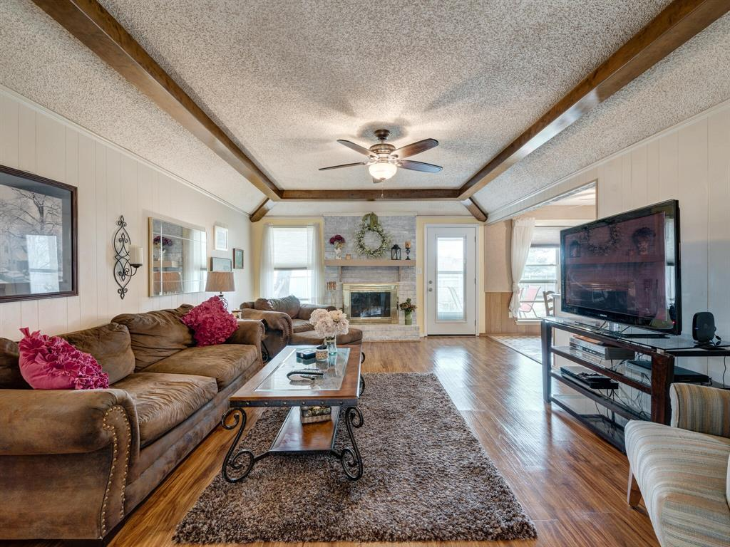 425 Mountainview Drive, Hurst, Texas 76054 - acquisto real estate best real estate company to work for