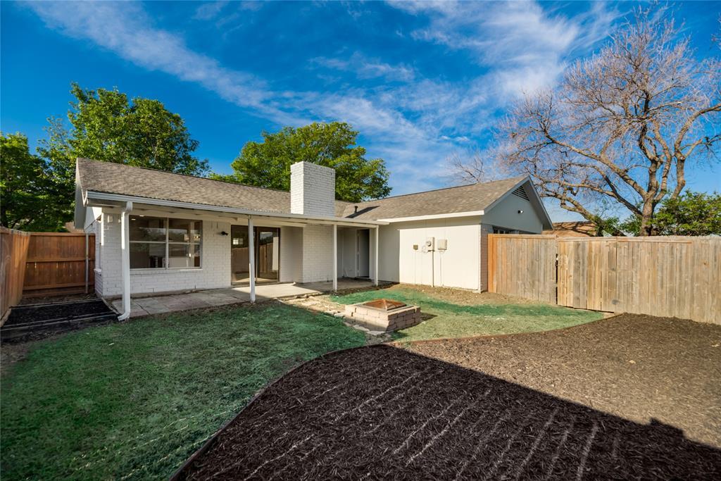 2205 Greenvalley  Drive, Carrollton, Texas 75007 - acquisto real estate best realtor foreclosure real estate mike shepeherd walnut grove realtor