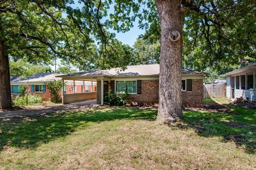 929 Ford  Street, Denison, Texas 75020 - acquisto real estate best allen realtor kim miller hunters creek expert