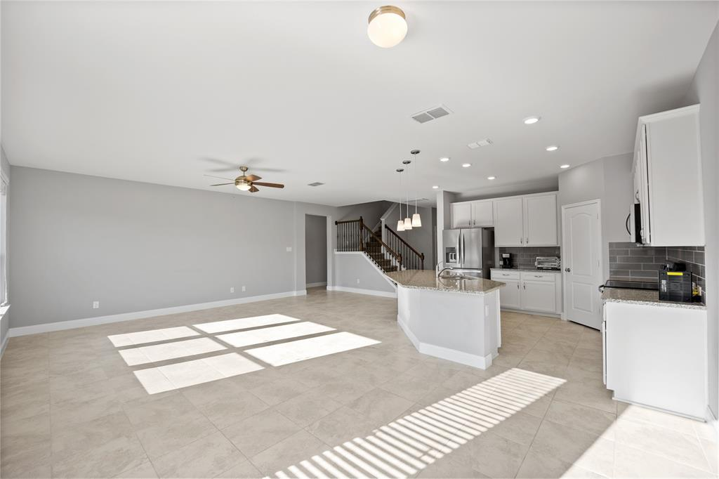 10212 Fox Grove Court, Fort Worth, Texas 76131 - acquisto real estate best celina realtor logan lawrence best dressed realtor