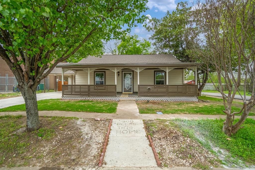 208 Elm  Street, Kemp, Texas 75143 - Acquisto Real Estate best plano realtor mike Shepherd home owners association expert