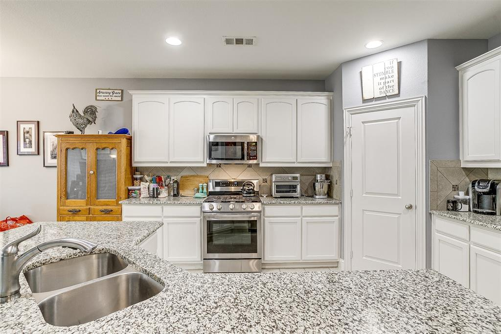 11317 Denet Creek  Lane, Fort Worth, Texas 76108 - acquisto real estate best celina realtor logan lawrence best dressed realtor