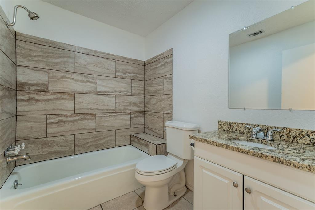 104 Mountain Valley Boulevard, Joshua, Texas 76058 - acquisto real estate best new home sales realtor linda miller executor real estate