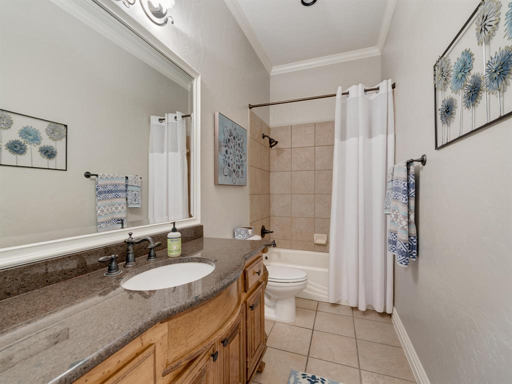 8309 Valley Oaks  Drive, North Richland Hills, Texas 76182 - acquisto real estate best park cities realtor kim miller best staging agent