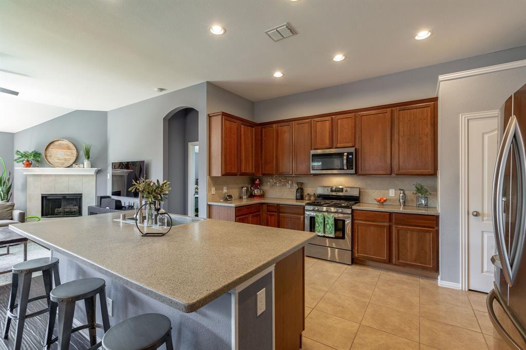 2860 Evening Mist Drive, Little Elm, Texas 75068 - acquisto real estate best new home sales realtor linda miller executor real estate