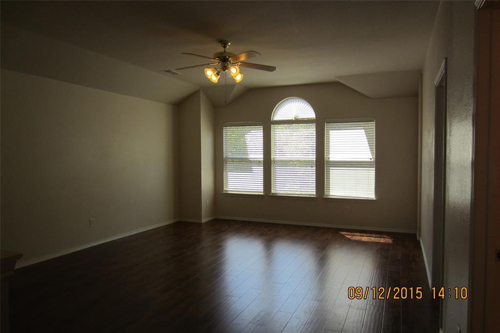 1220 Cardinal Way, Aubrey, Texas 76227 - acquisto real estate best realtor foreclosure real estate mike shepeherd walnut grove realtor