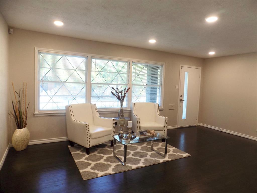 2730 Tisinger  Avenue, Dallas, Texas 75228 - acquisto real estate best real estate company in frisco texas real estate showings