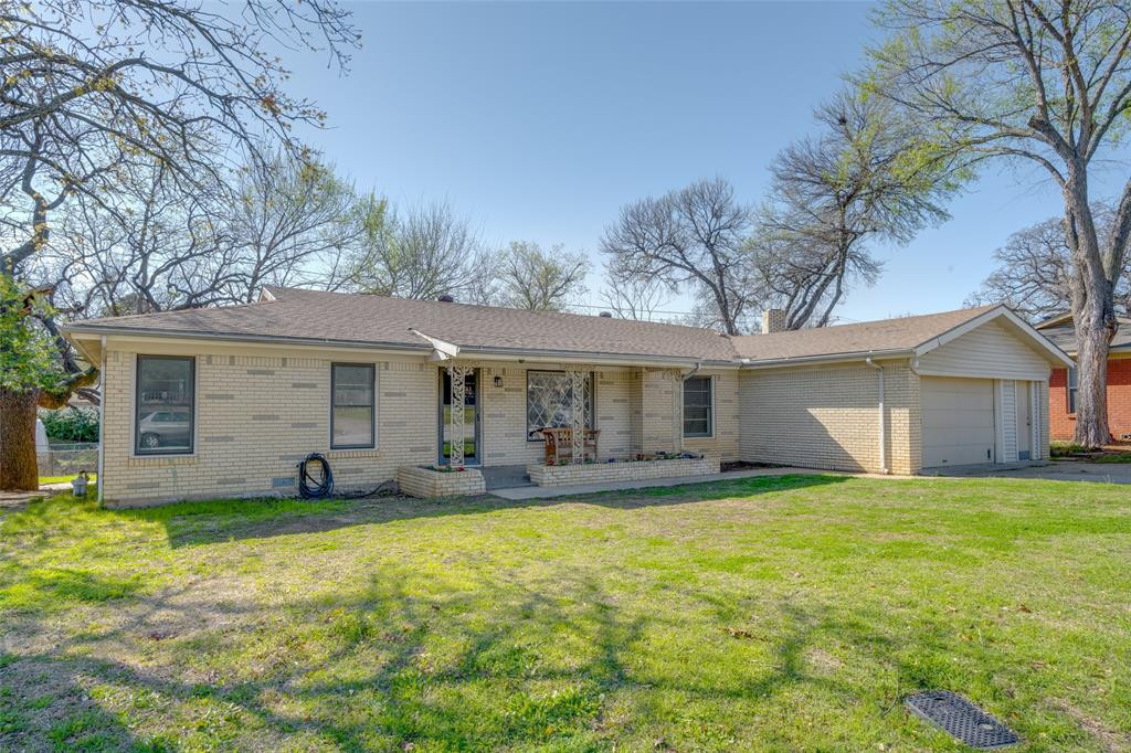901 Acorn  Street, Bedford, Texas 76022 - Acquisto Real Estate best plano realtor mike Shepherd home owners association expert