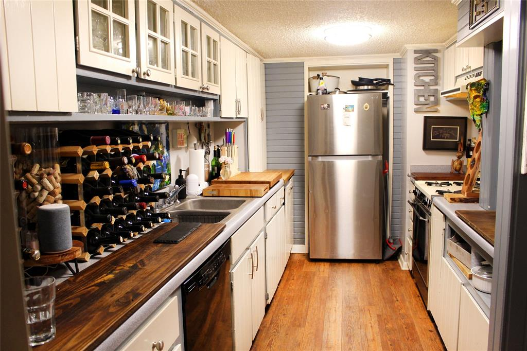 5903 Copperwood  Lane, Dallas, Texas 75248 - acquisto real estate best celina realtor logan lawrence best dressed realtor
