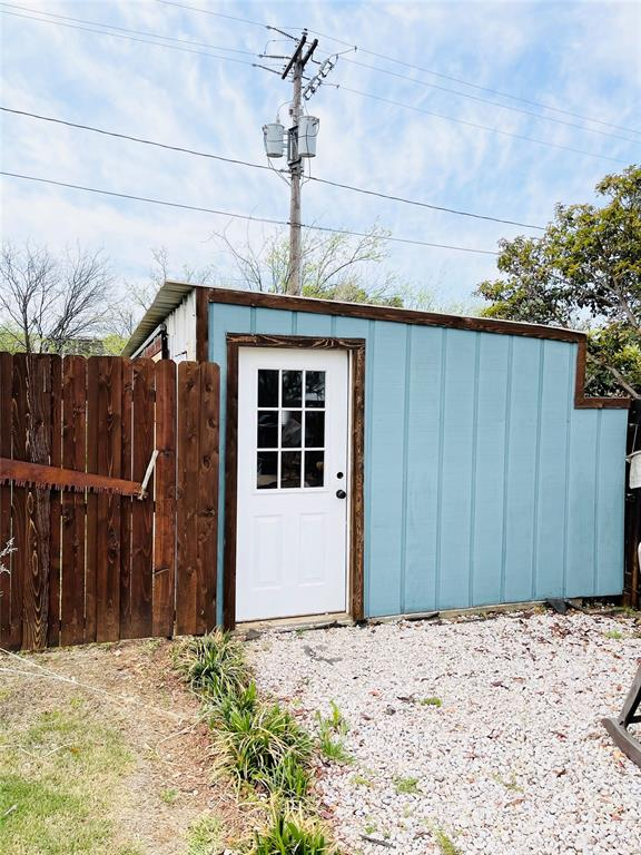 1303 Williams  Street, Breckenridge, Texas 76424 - acquisto real estate best frisco real estate broker in texas for high net worth buyers