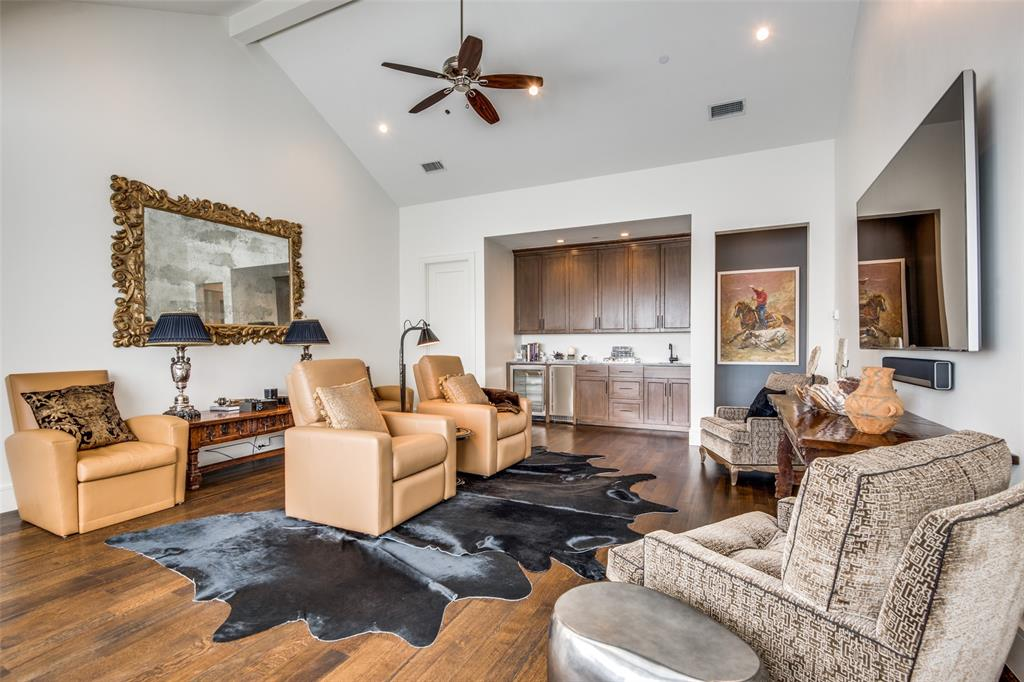 4618 Crooked  Lane, Dallas, Texas 75229 - acquisto real estate best negotiating realtor linda miller declutter realtor